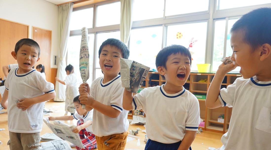 楽しく過ごす園児たちの写真